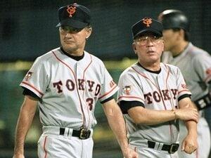 """「10・8」決戦で落合博満を救った。須藤豊、ヘッドコーチの""""陰の責務""""。"""