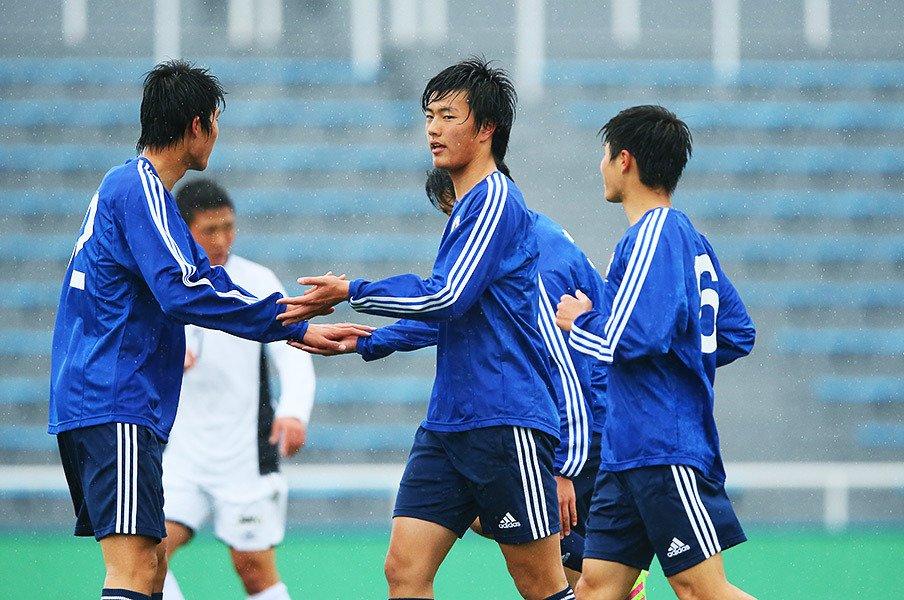 高校選手権のスターも、代表に入れば1選手。小川航基はここでもエースの座を手に出来るか。