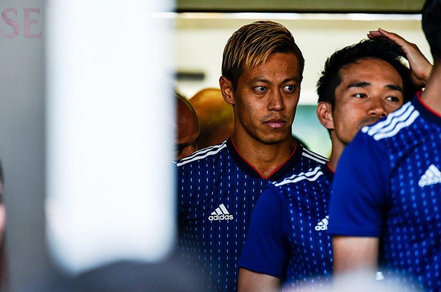 """本田圭佑はW杯で先発すべきか。本人に聞いた""""ズレ""""と守備強度。<Number Web> photograph by Takuya Sugiyama"""