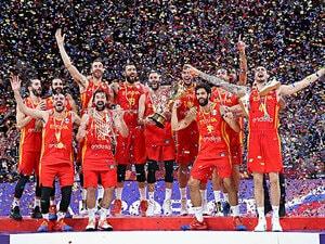 """13年ぶりバスケW杯制したスペイン。原動力は""""レガシー""""を伝えること。"""