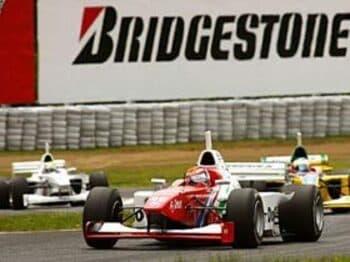 単調なレースに隠れたスリリングな接戦。<Number Web> photograph by Minoru Kobayashi/hPa