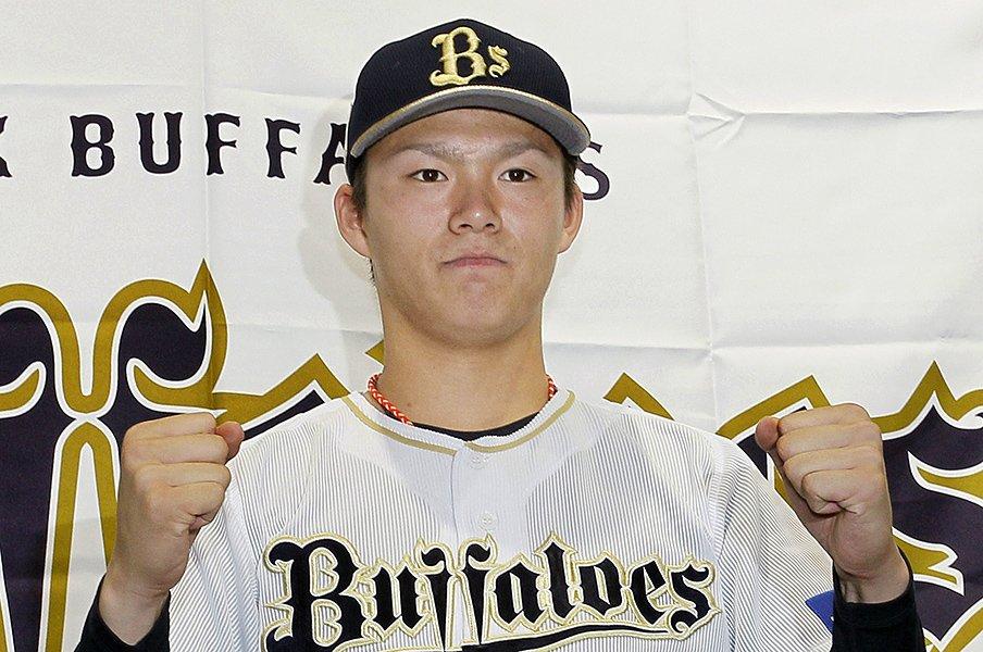 オリ山本由伸はおそるべき19歳。得意球封印は「先のことを考えて」。<Number Web> photograph by Kyodo News