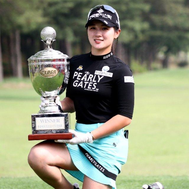 """日本でも配信が決定、韓国女子ゴルフツアーの魅力って? 難しいコースに20歳前後の若きスターが揃う【10人の""""モデル""""も】"""