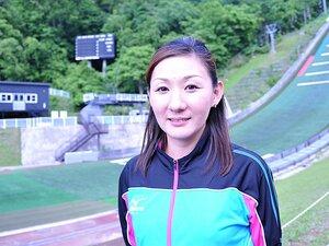 女子ジャンプの先駆者、山田いずみ。母として挑む、初の女性コーチ。