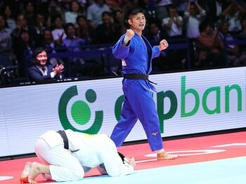 丸山城志郎が貫いた自分の柔道。66kg級は「阿部一強」ではない。<Number Web> photograph by Naoki Nishimura/AFLO SPORT