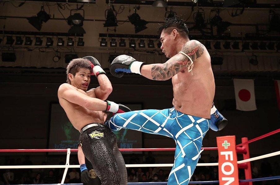シュートボクシングのエースとして。鈴木博昭、どん底からの復活ロード。<Number Web> photograph by Chiyo Yamamoto
