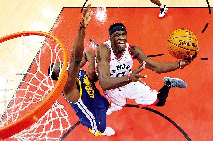 キャリア3年目の成長株シアカム。亡き父の存在が原動力に。~NBAファイナル初戦で32点~<Number Web> photograph by Getty Images