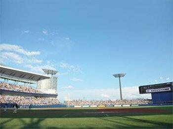 """プロ野球球団がもし移転すれば……。好条件の新潟市は""""第2の札幌""""か?<Number Web> photograph by Naoya Sanuki"""