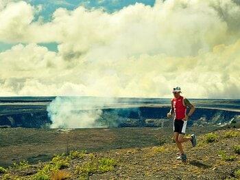 <ハワイ、キラウエア火山の魅力> 走るのにボルケーノほど素敵な場所はない<Number Web> photograph by Ai Iwane