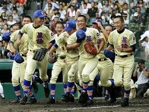 """星稜、甲子園で16年ぶりの1勝。""""見逃し""""から生まれた逆転劇。"""