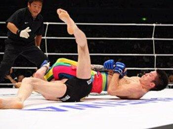 """青木快勝のDREAMで見られた""""日本式MMA""""。<Number Web> photograph by Susumu Nagao"""