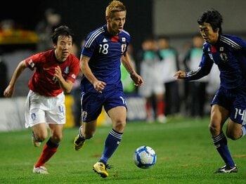 「強引さ」こそザックジャパンの旗印!90分間ゴールを目指し続けた日韓戦。<Number Web> photograph by Takuya Sugiyama