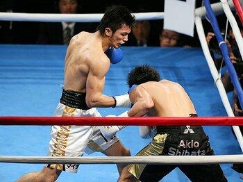 村田諒太、想像を凌駕したデビュー戦。その拳はラスベガスのメインの器だ!<Number Web> photograph by Yusuke Nakanishi/AFLO
