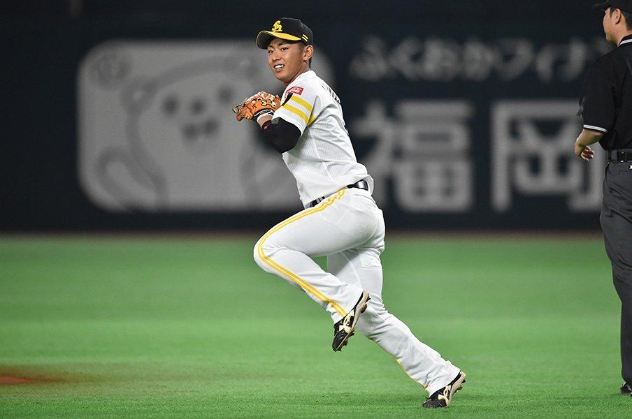 なぜ中島や鈴木より今宮健太なのか。4年連続GGは本能と基本の合わせ技。<Number Web> photograph by Hideki Sugiyama