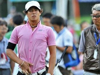 プロコーチと共に原点回帰へ。親離れした石川遼が再び覚醒する時。<Number Web> photograph by Takashi Shimizu