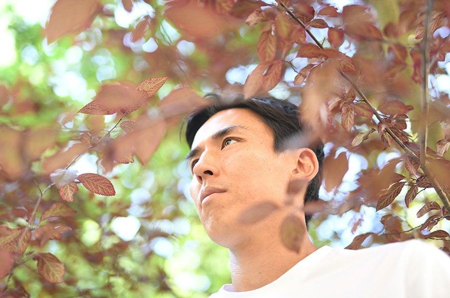 長谷部誠が中田英寿に伝えたいこと。「だから、書いといてください!」<Number Web> photograph by Ryu Voelkel