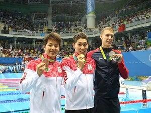 盟友・萩野の金メダルを称える潔さ。銅獲得、瀬戸大也もやはり大器だ。