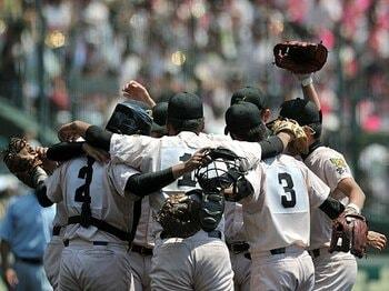 """実は左投手は、左打者が苦手?高校野球の""""セオリー""""は正しいか。<Number Web> photograph by Hideki Sugiyama"""