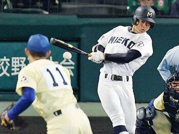 センバツの流行は「バントなし」。三重が大切にする打ちたい気持ち。<Number Web> photograph by Kyodo News