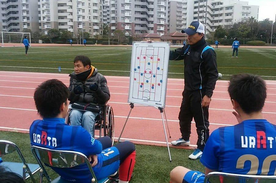 """監督は車イス、コーチはカメラマン。ブリオベッカ浦安、""""J5""""の挑戦劇。<Number Web> photograph by Kei Totsuka"""