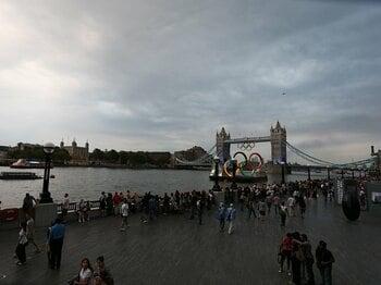静かに開幕を迎えたロンドンの街。思いを馳せるは1948年大会の無念。<Number Web> photograph by Naoya Sanuki/JMPA