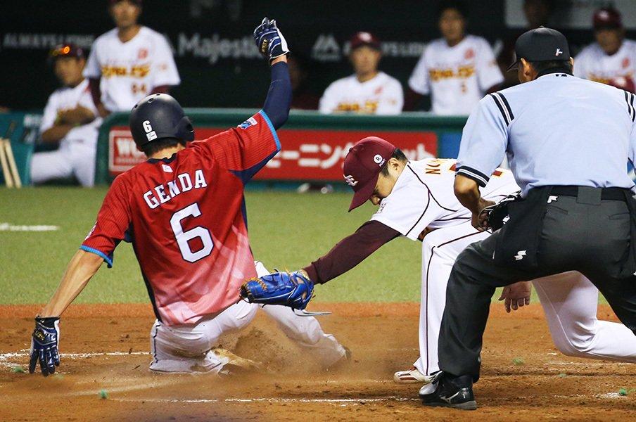 源田壮亮から始まった西武走塁の輪。いまや盗塁数はパで断トツの129に。<Number Web> photograph by Kyodo News