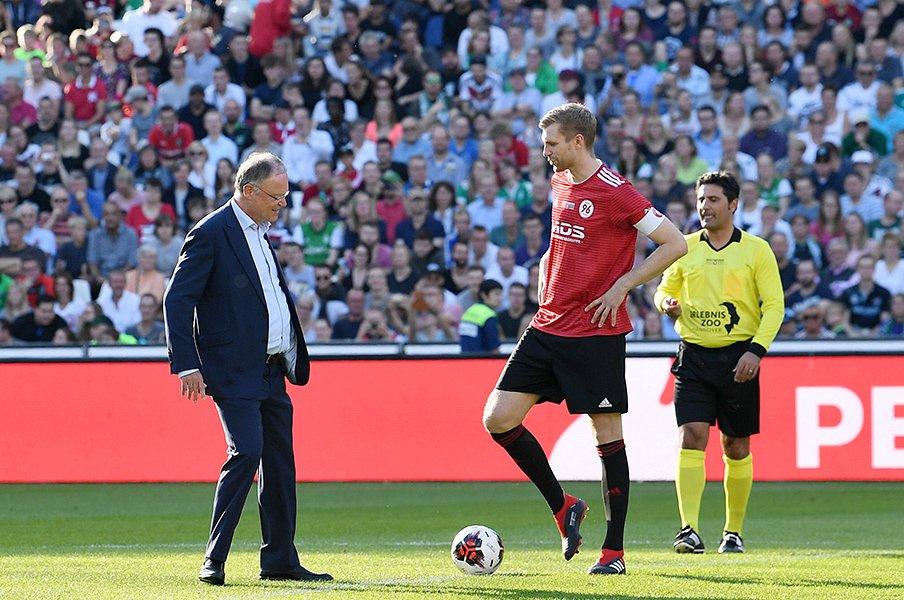 メルテザッカーの引退試合に思うドイツ代表の苦戦と問題の根本。<Number Web> photograph by Uniphoto press