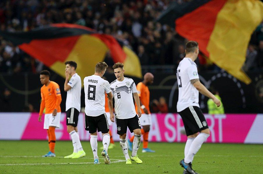 新生ドイツは頂点に返り咲けるか?オランダに敗戦、ロイスは前向き。<Number Web> photograph by Getty Images