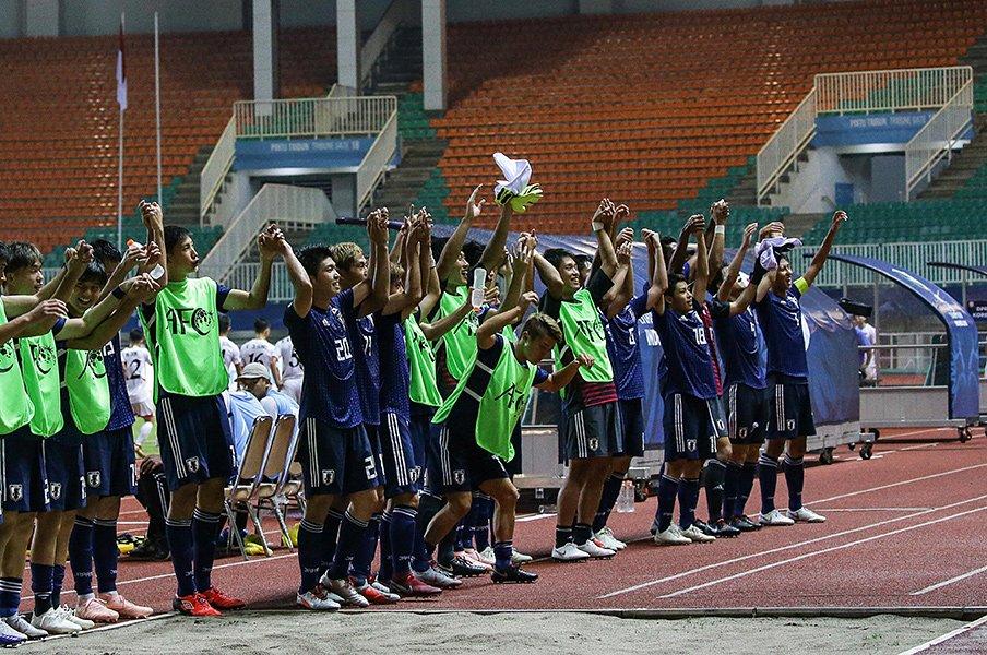 U-20W杯出場権をかけた決戦の日。最大の敵はインドネシアの大観衆!?<Number Web> photograph by AFLO