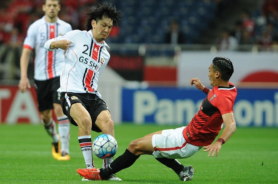 ACLで浦和がFCソウルに先勝。Kリーガー高萩洋次郎と日韓新時代。<Number Web> photograph by Masashi Hara/Getty Images