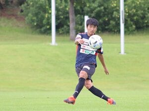 "J2山口・佐藤健太郎、400試合出場へ。財前&宮沢に学んだ""理想の先輩像""。"