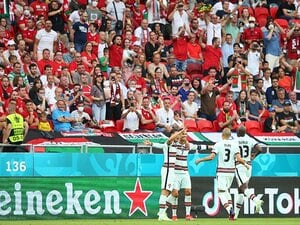 "EUROで「観衆5万5662人」ハンガリーが""満員OKな理由"" ワクチン接種率の高さと…【クリロナはプラティニ超え弾】"