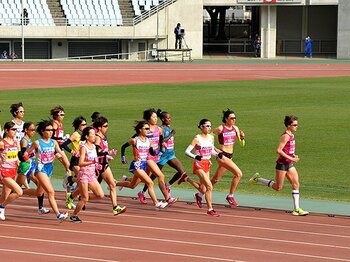 日本女子はなぜ5分以上遅くなったか。マラソンと駅伝を巡る不都合な真実。<Number Web> photograph by AFLO